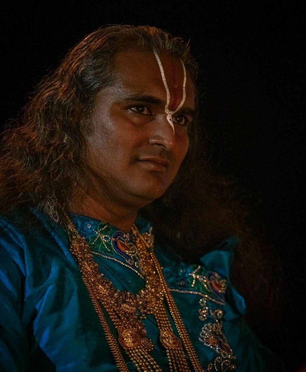 Сатсанг-Парамахамсы-Вишвананды-в-саду-ШПН-01-августа-2020